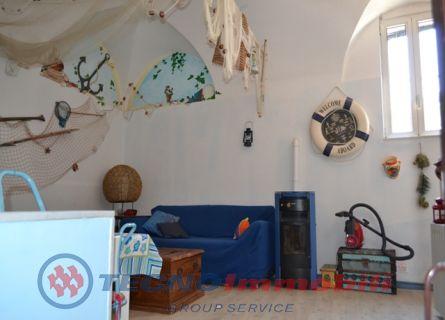 Bilocale Borghetto Santo Spirito Via Diaz 3