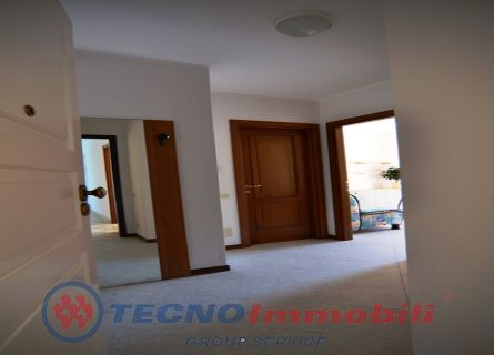 http://www.tecnoimmobiligroup.it/public/img/Immagine_immobile_3_21009.jpg