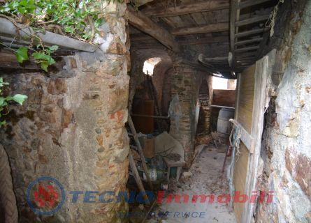 Via Campei, 13 Vezzi Portio (Savona)
