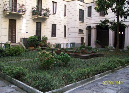 Bilocale Milano Via Mauro Macchi 3