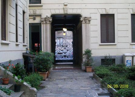Bilocale Milano Via Mauro Macchi 4