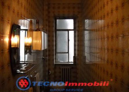 Bilocale Torino Via Pacini 4