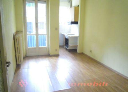 Bilocale Torino Via Alessandria 4