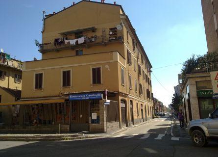 Bilocale Milano Via San Mamete 4