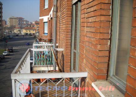 Bilocale Torino Via Foglizzo 5