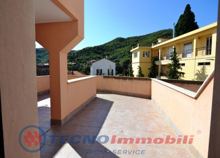 http://www.tecnoimmobiligroup.it/public/img/Immagine_immobile_7_21013.jpg
