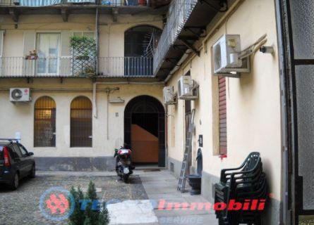 Bilocale Torino Via Garibaldi 8