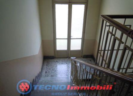 Bilocale Torino Via Conte Di Roccavione 8