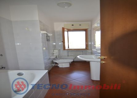 http://www.tecnoimmobiligroup.it/public/img/Immagine_immobile_9_21043.jpg